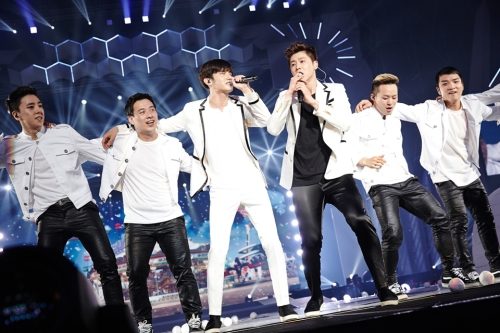 """TVXQ! performing """"Show Me Your Love"""" in Bangkok. Photo: S.M. Entertainment."""