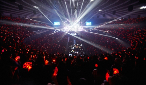 The crowd in XIA's Osaka show. Photo: C-JeS Entertainment.
