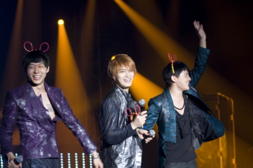 JYJ on stage in the Tokyo concert. Photo: C-JeS Entertainment.